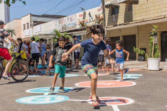 Foto: Rodrigo Capote, WRI Brasil. Calle convertida en zona exclusiva para peatones dentro de Cidade 2000, en Sao Paulo, Brasil.