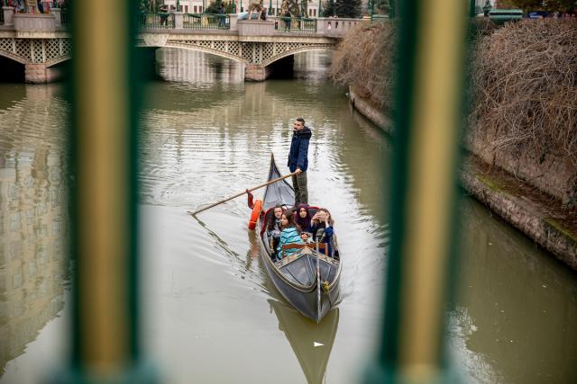 Durante dos décadas, las soluciones de restauración transformaron el río Porsuk de un volcado tóxico a un destino preciado para la recreación. Foto de Kyle