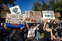 Protesta por el clima en una escuela de Melbourne, en Australia, en mayo de 2021. Crédito: Matt Hrkac en Flickr